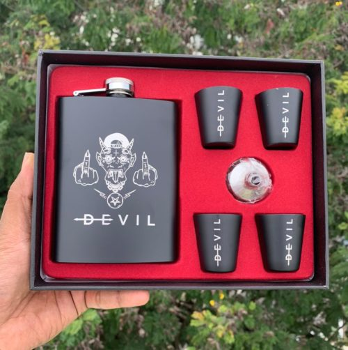 Customized Hip Flask And Shot Glasses